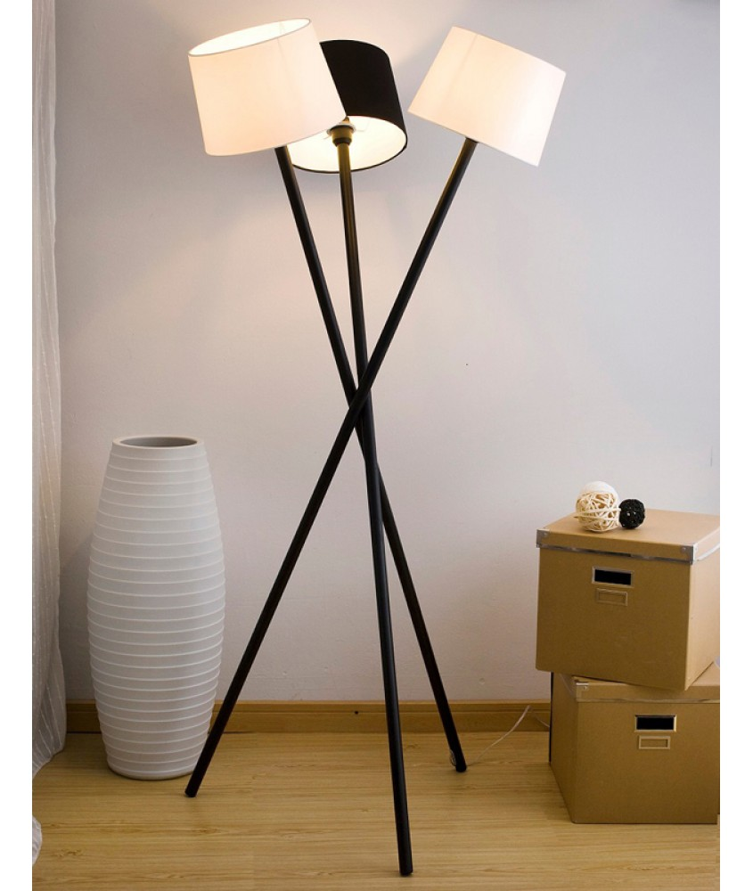 座地灯 - 现代三脚座地灯 设计精致 豪宅之选