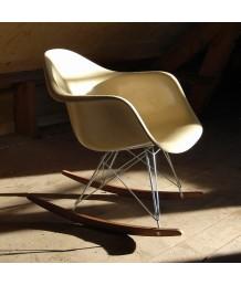 設計師椅 - 伊姆斯搖搖膠椅 優閒時尚精選 部屋必備